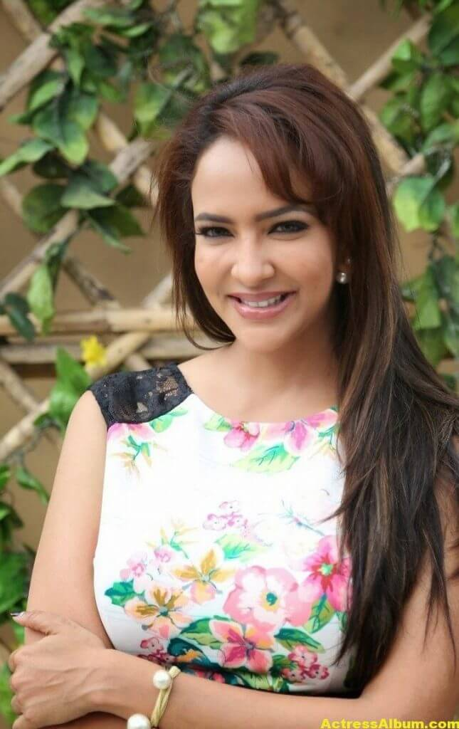 Actress Manchu Lakshmi Latest Stills At Dongata Movie 4