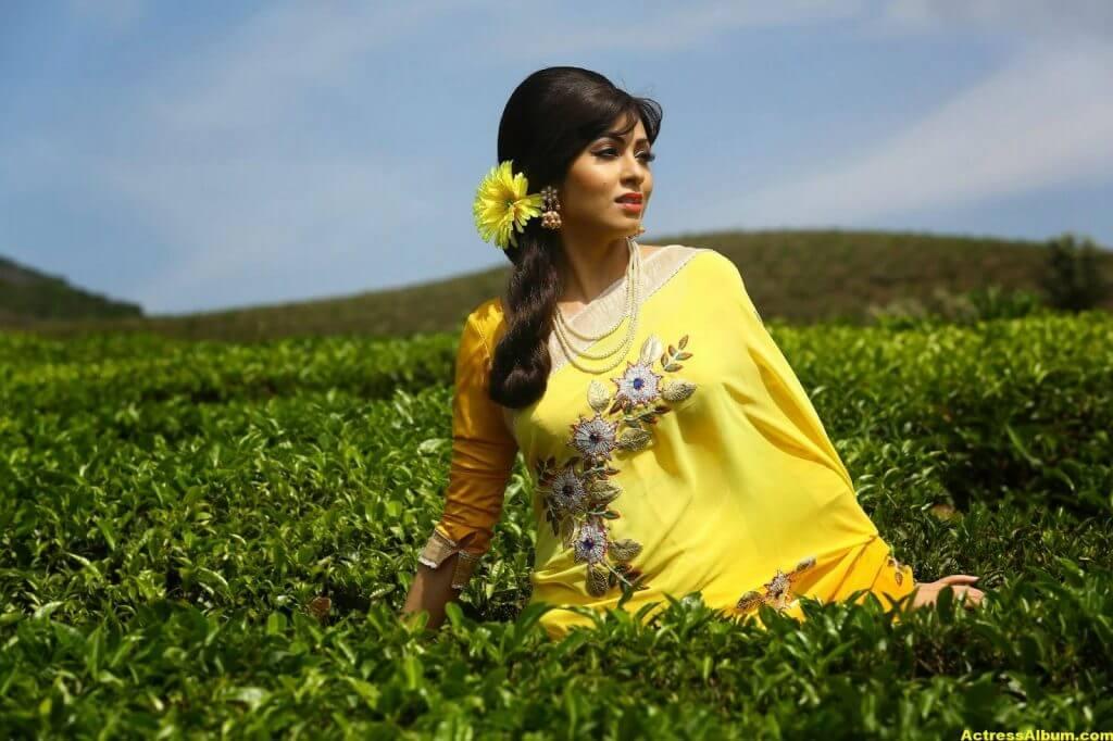 Actress Sada Latest HQ Stills 7