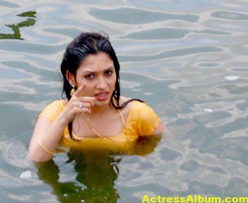 Actress Tamanna Hot Pictures in Wet Dress4