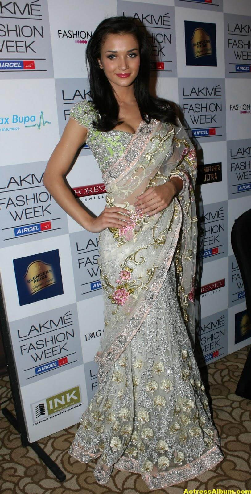 Amy Jackson hot in transparent saree 3