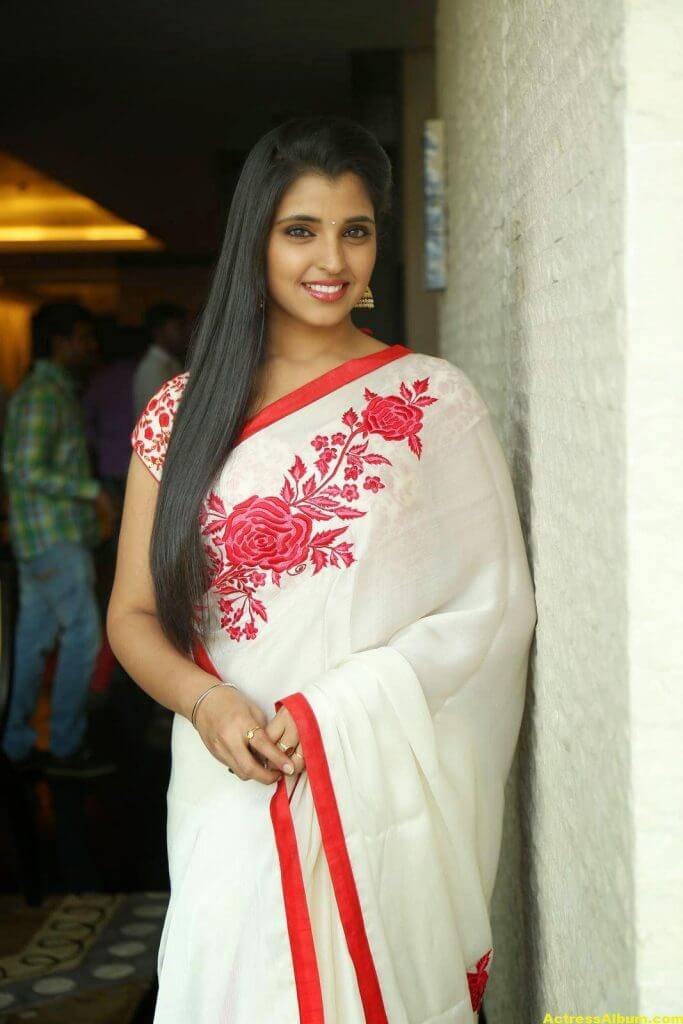 Anchor Shyamala Latest Stills 1