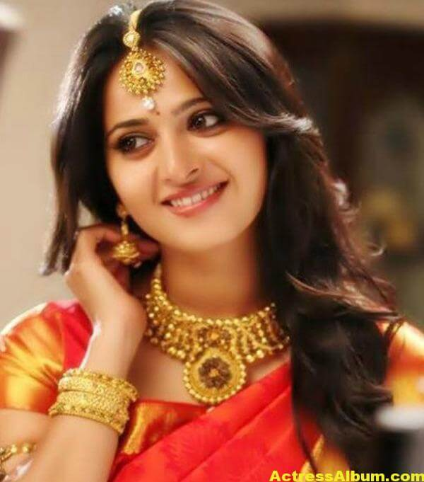 anushka-latest-hot-photos-01