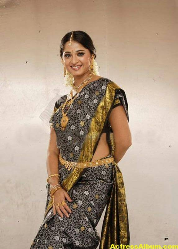 anushka-latest-hot-photos-04