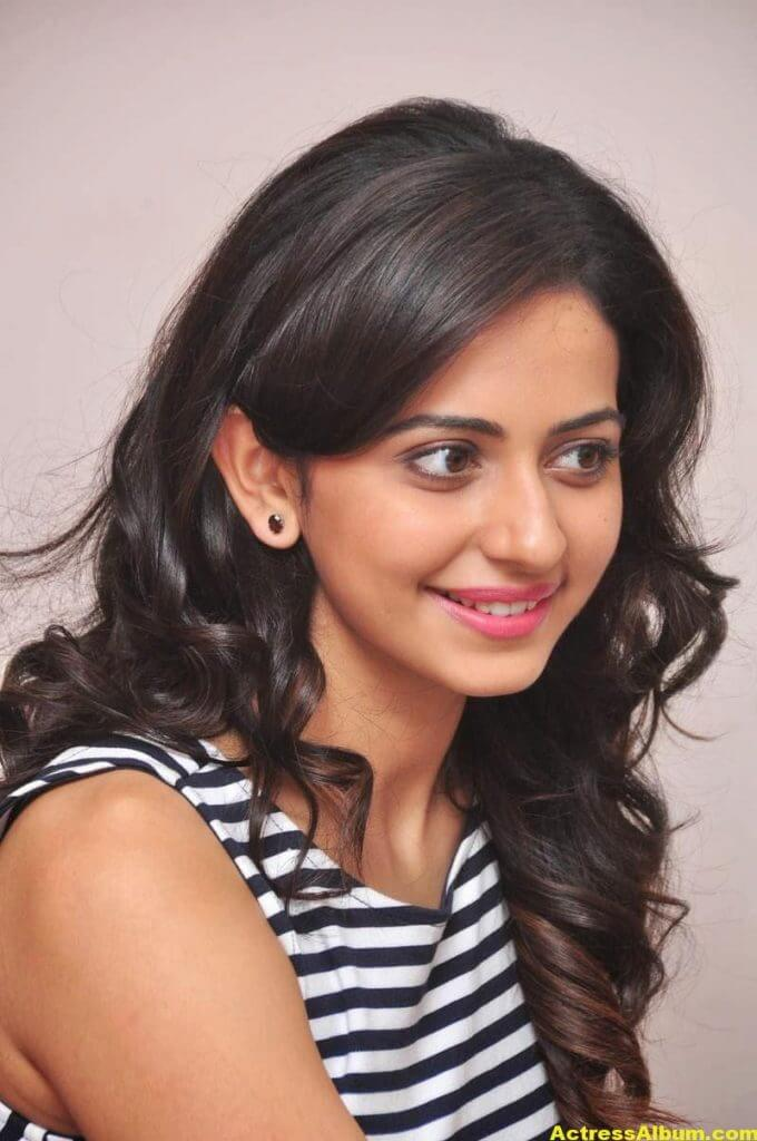 Heroine Actress Rakul Preet Singh Latest Gallery 4