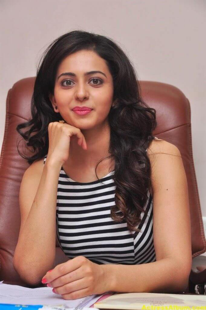 Heroine Actress Rakul Preet Singh Latest Gallery 7
