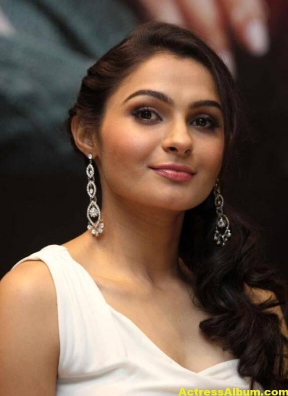 Hot Tamil Actress Sadha Glam and Stylish Getup Movie