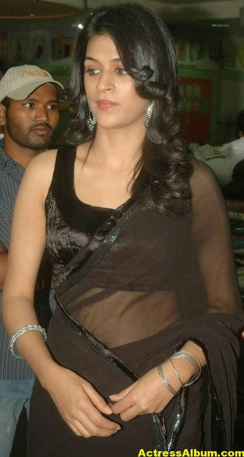 Hot Bigboobs Shraddha das Naval Show in Black saree