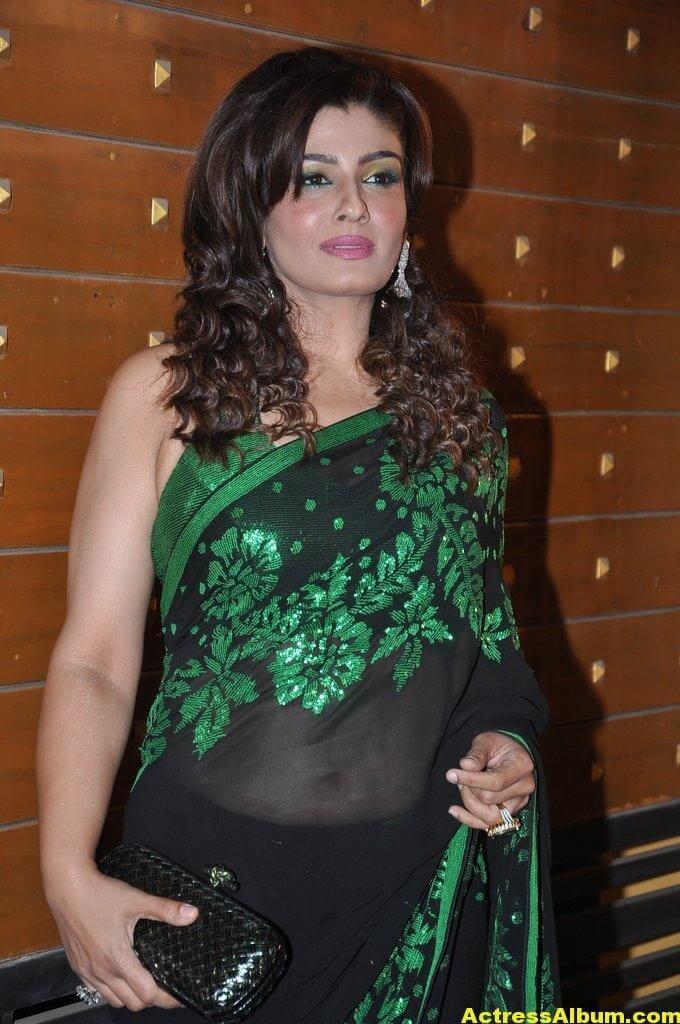 Hot Heroines at Idea Filmfare Awards 10