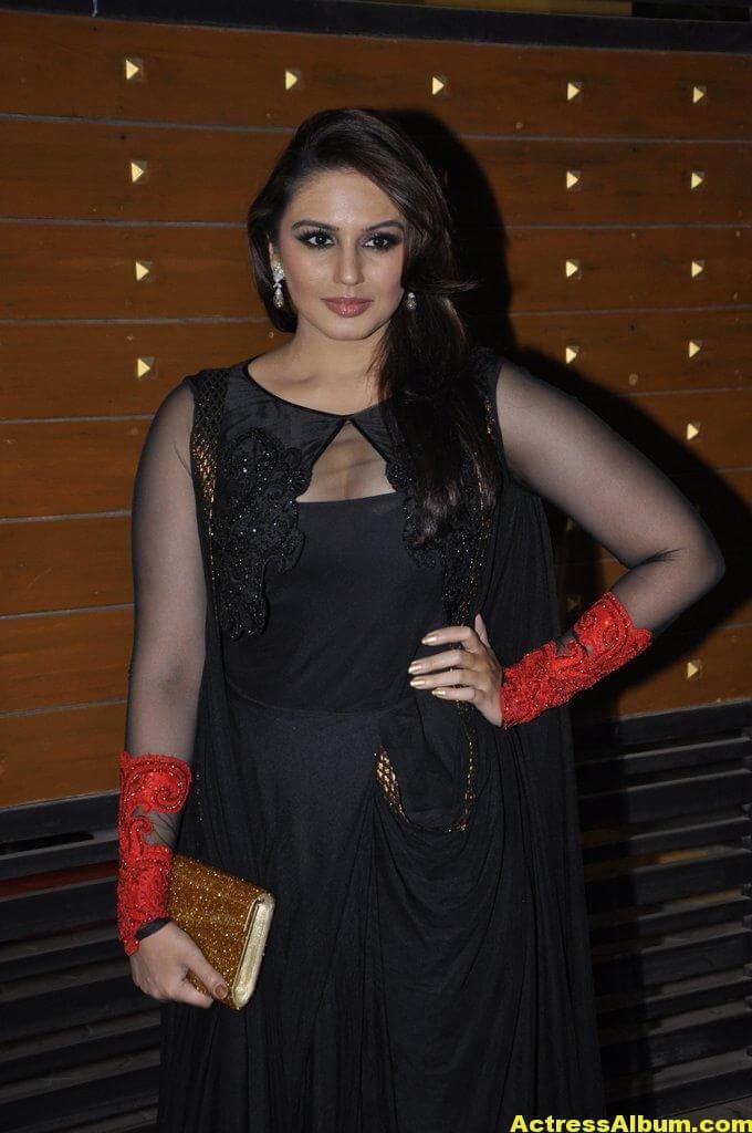 Hot Heroines at Idea Filmfare Awards 4