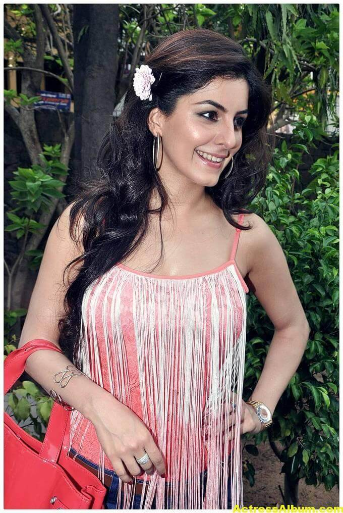isha-talwar-latest-photos-1
