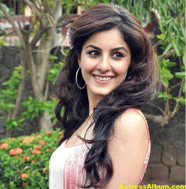isha-talwar-latest-photos-13
