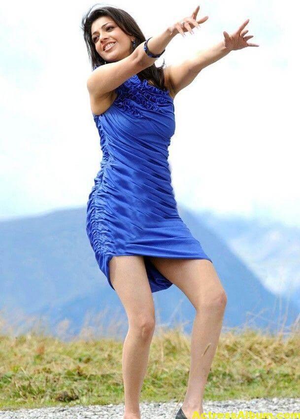 Kajal Agarwal  blue short gown thunder thighs 7