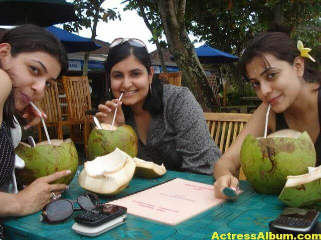 Kajal Agarwal With Nisha Aggrwal Photos (5)