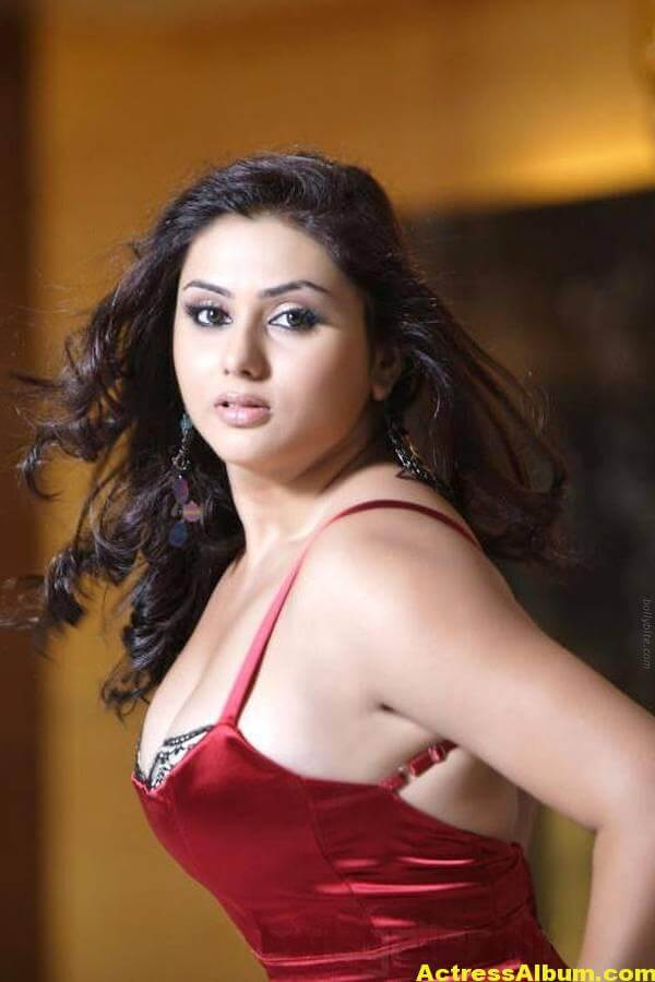 Namitha_Hot_03