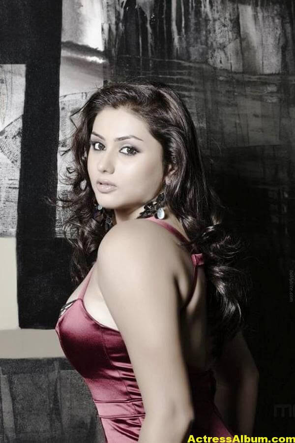 Namitha_Hot_09