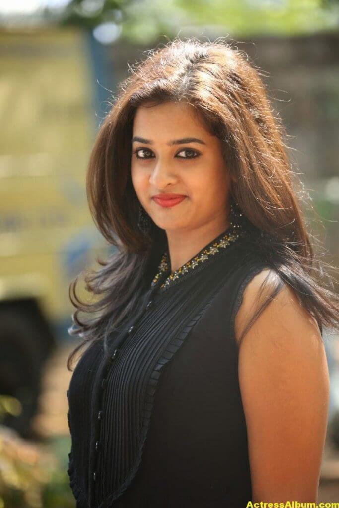 Nanditha Raj Latest Photo Gallery in Black Dress 5