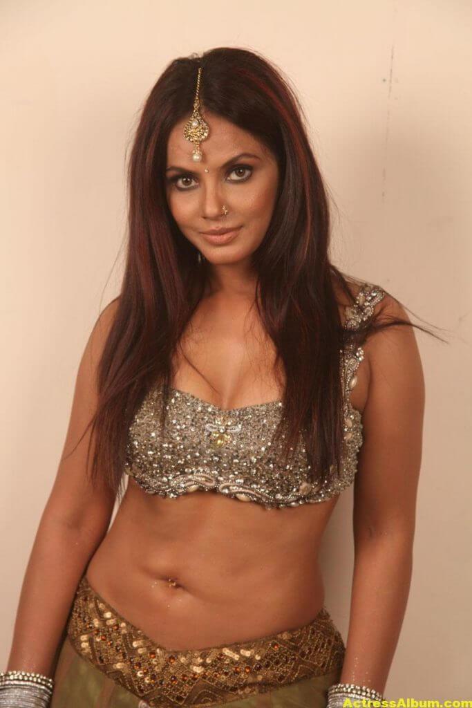 Neetu Chandra Stills 1
