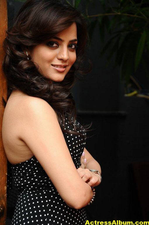 Nisha Agarwal Black Dress Still 5