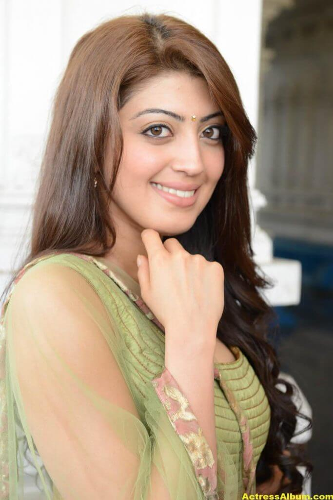 Pranitha new HQ wallpaper 4