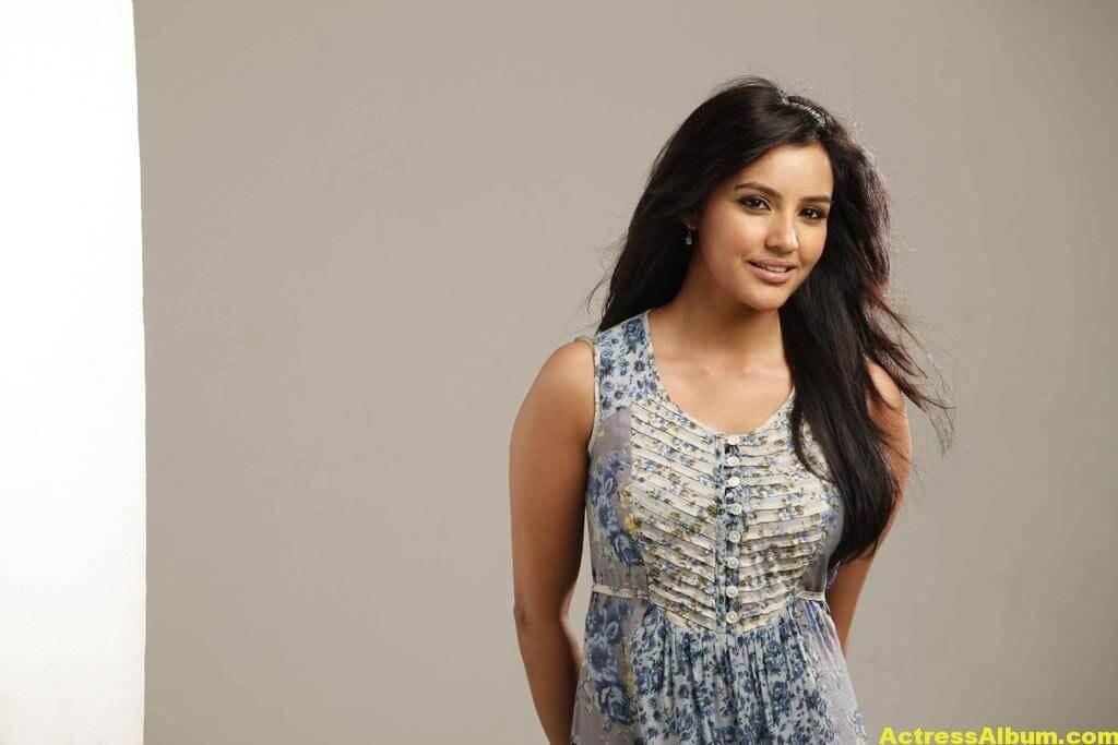 Priya Anand Spicy Stills 2