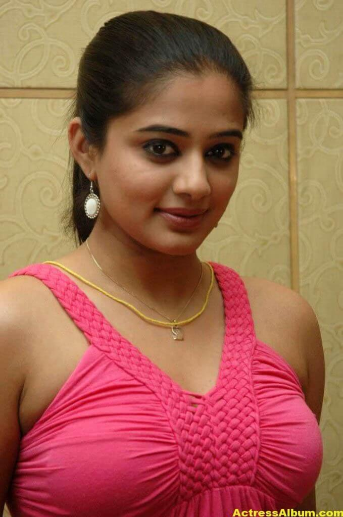 priyamani big boobs braless