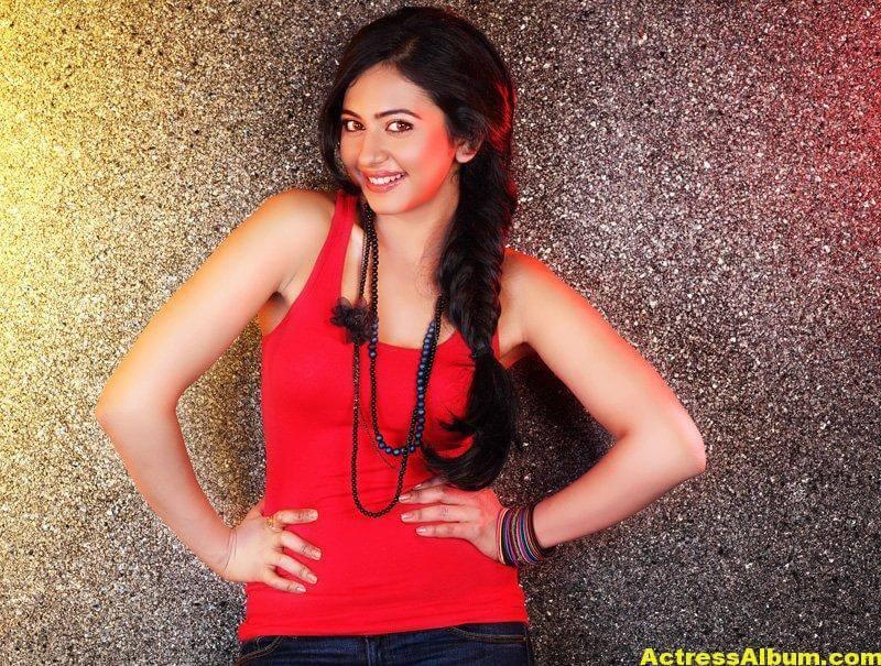 Rakul Preet Singh Beautiful Pictures 1
