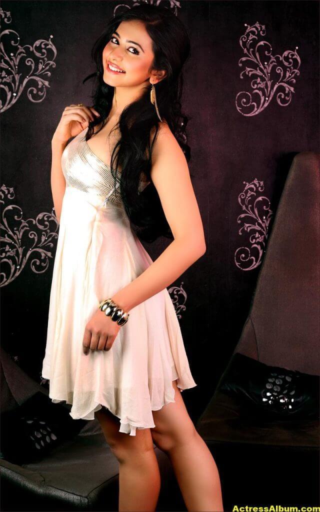 Rakul Preet Singh Beautiful Pictures 2