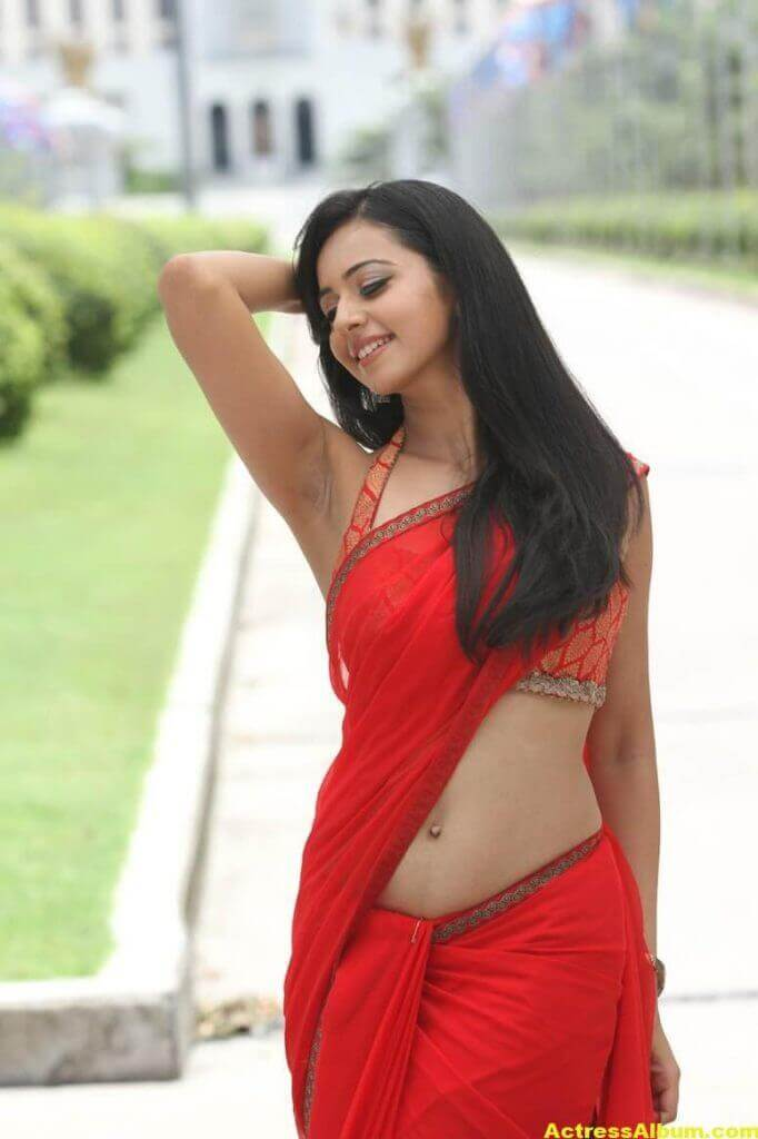 Rakul Preet Singh Beautiful Pictures 3
