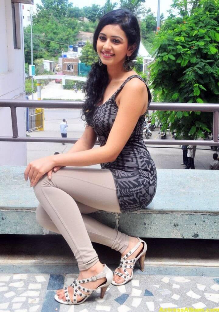 Rakul Preet Singh Beautiful Pictures 4