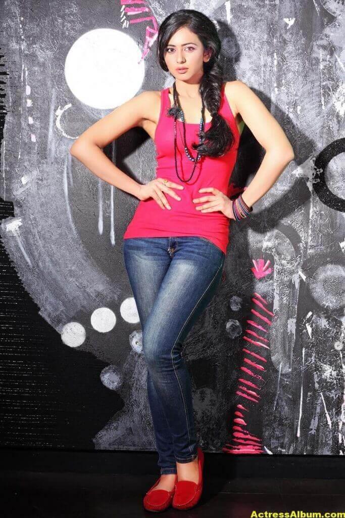 Rakul Preet Singh Beautiful Pictures 6