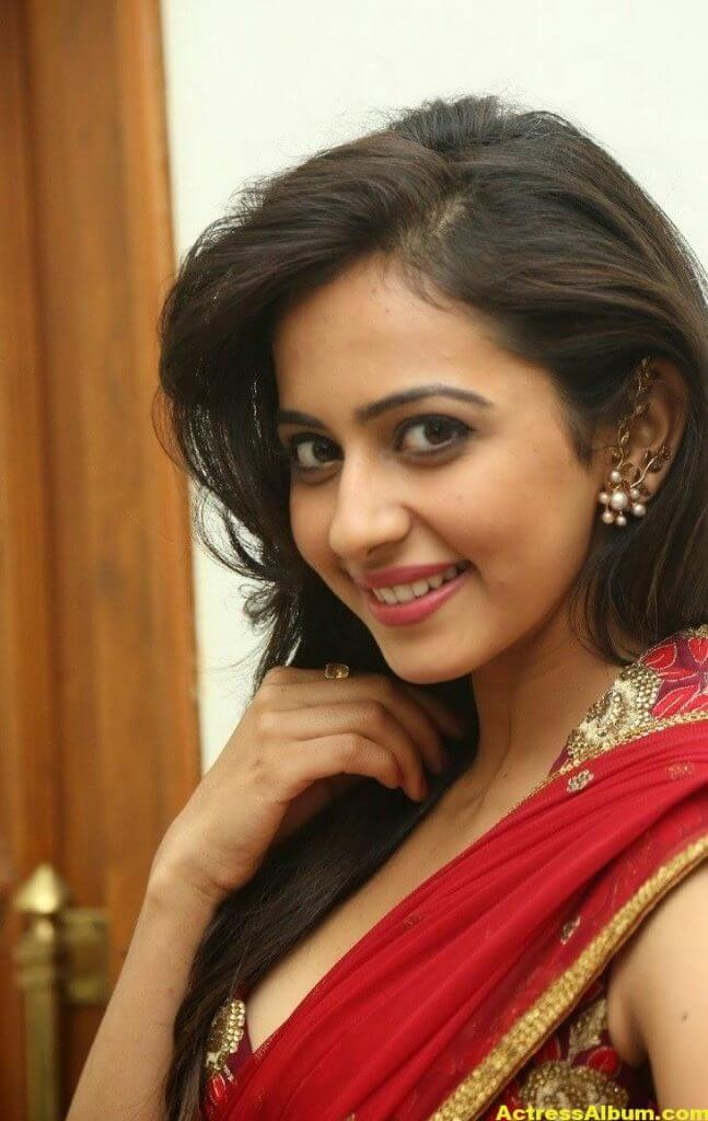 Rakul Preet Singh Latest HD Pics in Red Saree 10