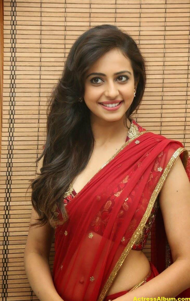 Rakul Preet Singh Latest HD Pics in Red Saree 2