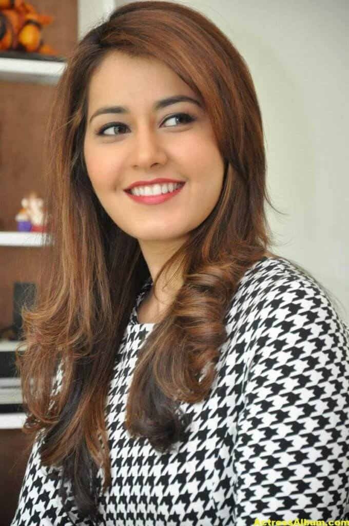 Rashi Khanna Latest Stills At Jil Movie 5