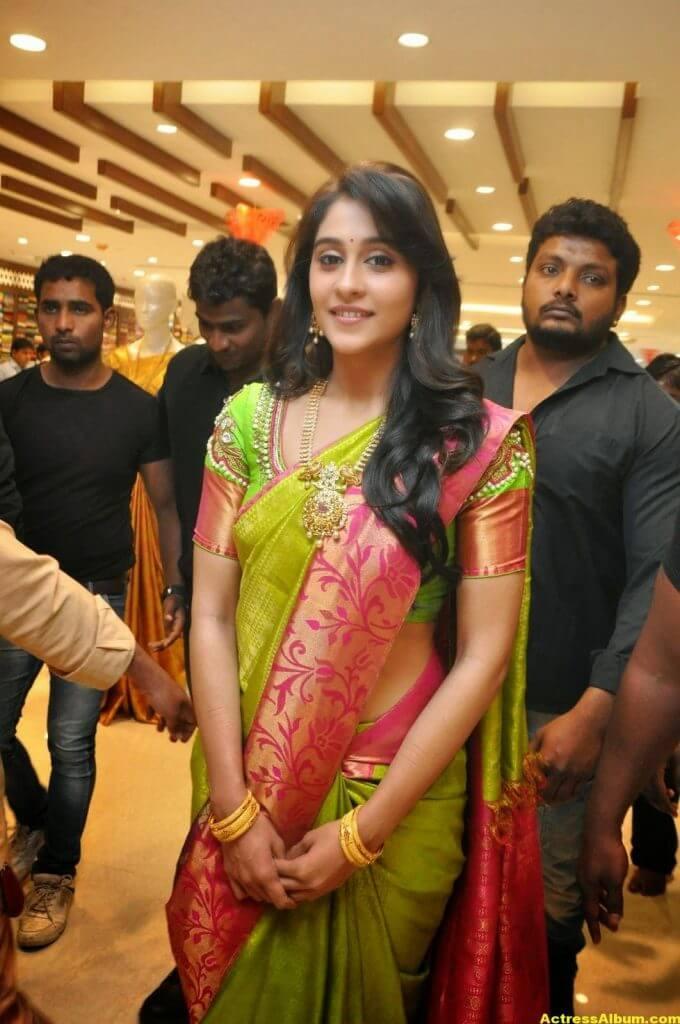 Regina Cassandra at Chennai Shopping Mall Launch Photos 3