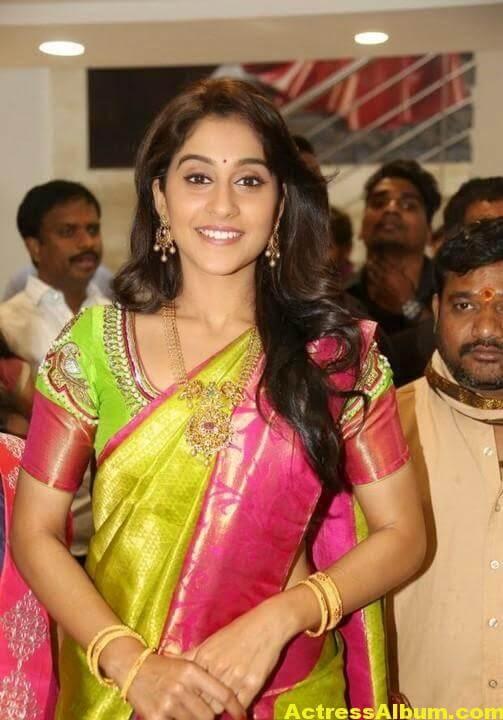 Regina Cassandra at Chennai Shopping Mall Launch Photos 8