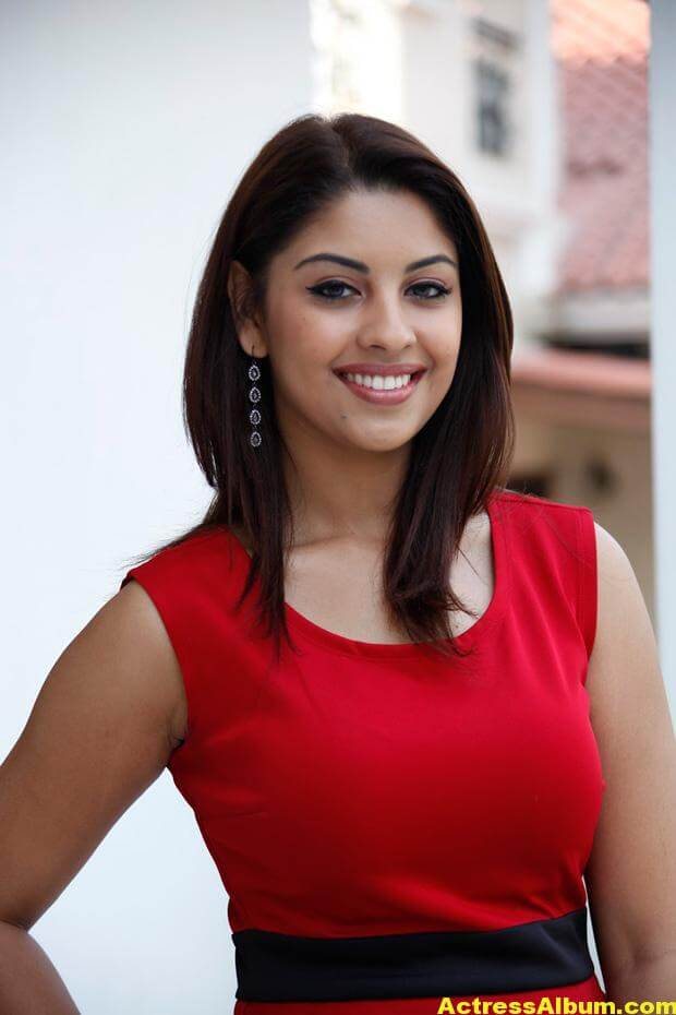 Richa Gangopadhyay Latest Photo Shoot Photos 4
