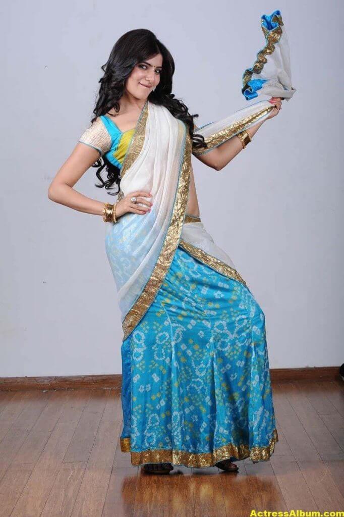 Samantha Hot navel show in half Saree 5