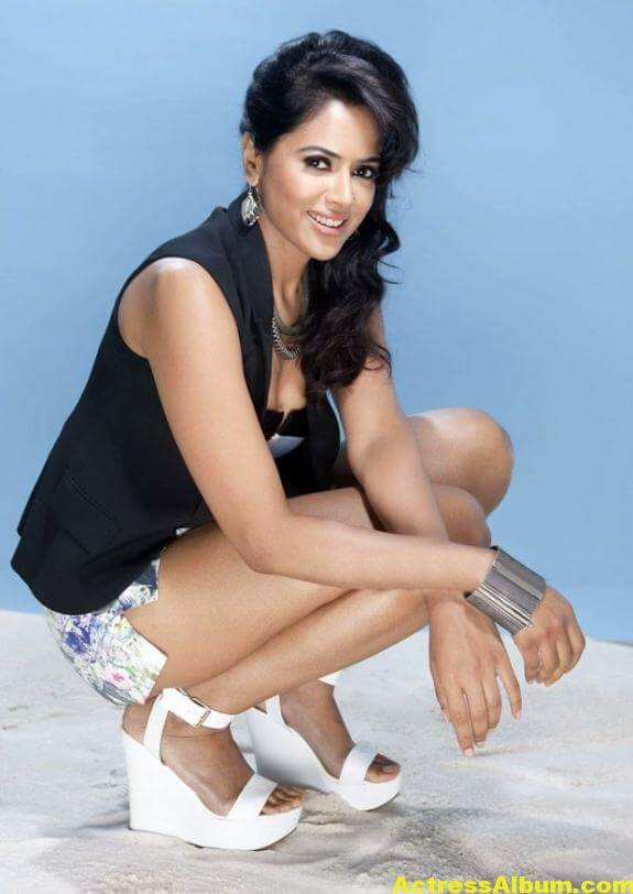 Sameera Reddy Hot Pics 2