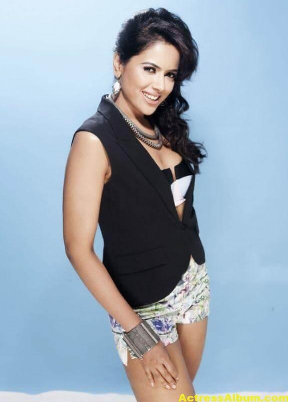 Sameera Reddy Hot Pics 5