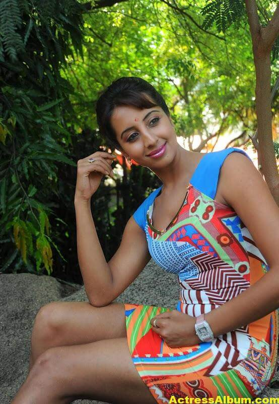 Sanjana Latest Photos 4