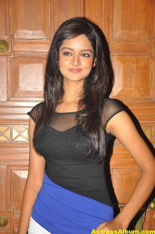 Shanvi-Latest-Photo-Gallery- (10)