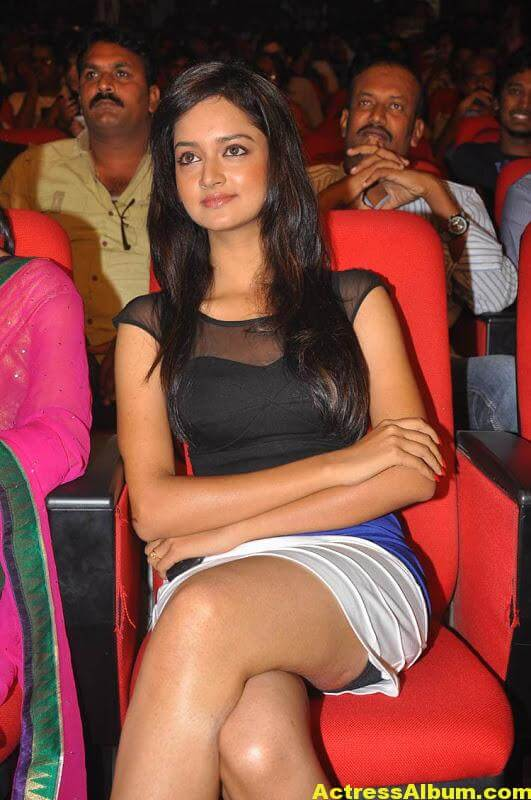 Shanvi-Latest-Photo-Gallery- (17)