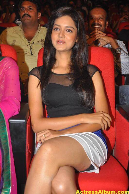 Shanvi-Latest-Photo-Gallery- (21)