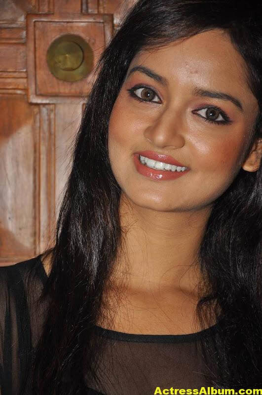 Shanvi-Latest-Photo-Gallery- (22)