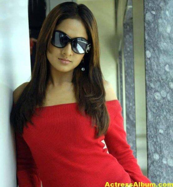 sheela-actress-hot-navel-bikini-pics-wallpapers-1