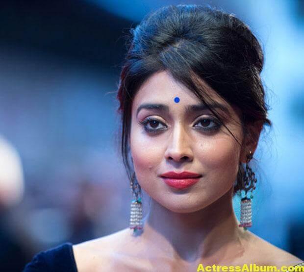 Shriya Saran Latest Saree Stills 5