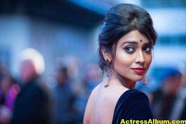 Shriya Saran Latest Saree Stills 7