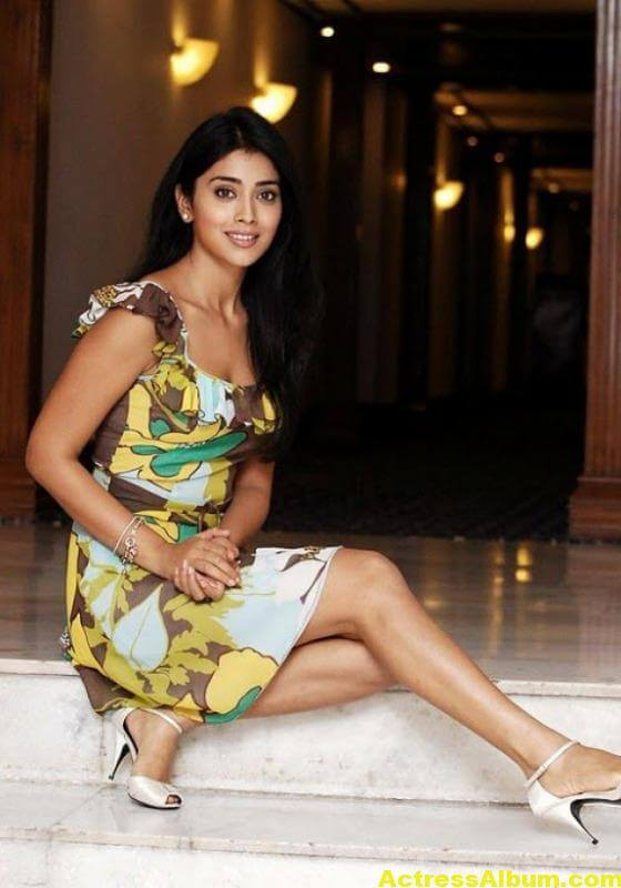 shriya-saran-photo-gallery-1