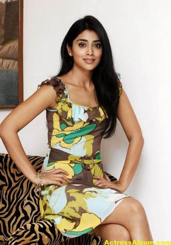 shriya-saran-photo-gallery-10