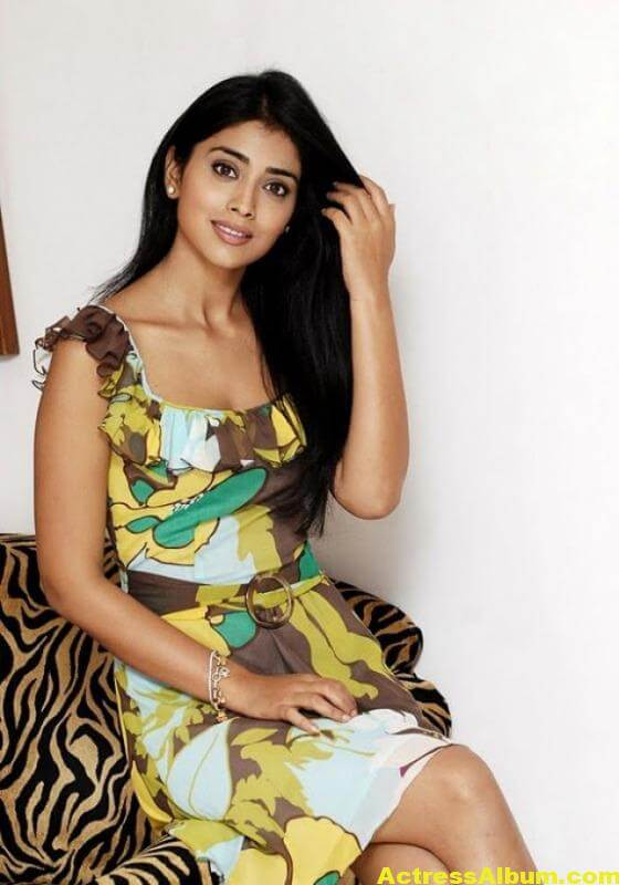 shriya-saran-photo-gallery-12